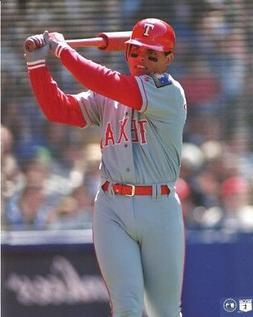 IVAN RODRIGUEZ 8x10 ACTION PHOTO  TEXAS RANGERS #7 Baseball